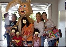 A Casa do Pai recebeu a visita do Coelhinho do Páscoa